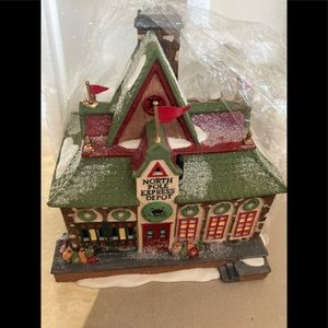 Department 56 Christmas lighted House North Pole